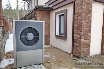 2017 год. Коттедж 300 кв.м. Система отопления с гибридным тепловым насосом нового поколения BUDERUS Logatherm WPL 17 ARB  (воздушный ТН 17кВт) — Барракуда - Современные системы отопления