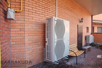 Дом 300 кв.м. Система отопления на воздушном тепловом насосе ECODAN 14 кВт с функциями отопления и горячего водоснабжения. Бойлер ГВС 200 л — Барракуда - Современные системы отопления