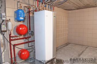 2015 год. Дом 200 кв.м. Экономичная система отопления, на геотермальном тепловом насосе NIBE 10 кВт, с встроенным бойлером, пассивным охлаждением — Барракуда - Современные системы отопления