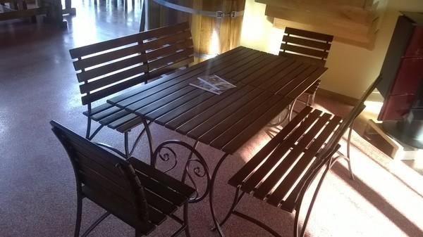 Вы можете приобрести кованую мебель с летними скидками. Звоните!