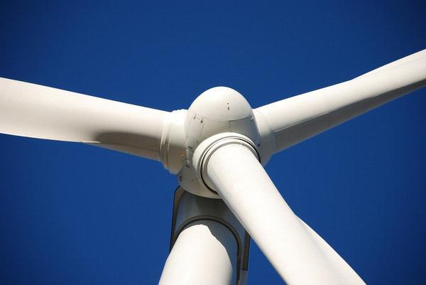 Tesla и Deepwater Wind планируют строительство самого масштабного в мире ветропарка с хранилищем энергии