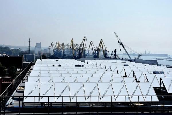 В Мариупольском морском порту устанавливают мощнейшую гелиосистему в Украине