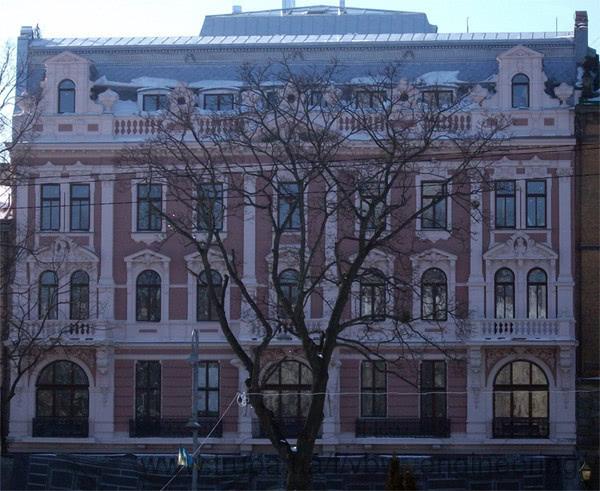 Реконструкція старовинного готелю в м Львів із застосуванням рішень від VBW Engineering