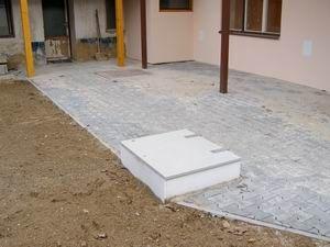 Автономная канализация в современном загаородном доме. Внешний вид. — Эквик